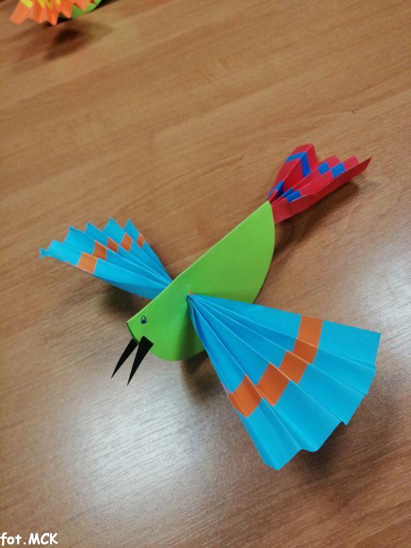 Zajęcia plastyczne – kolorowe ptaki